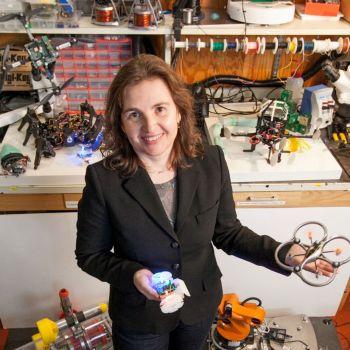 mit, el robot csail desinfecta grandes superficies