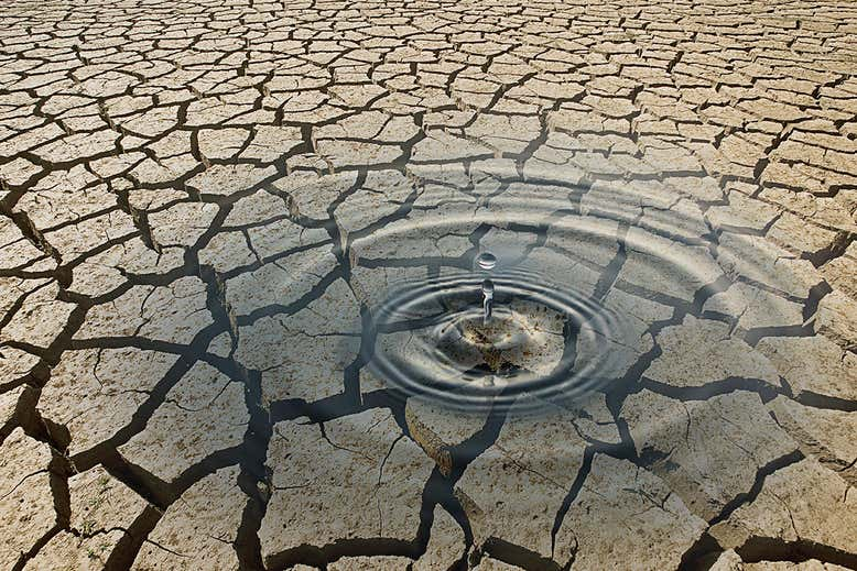 el agua podría extraerse del aire del desierto utilizando el calor de la luz solar