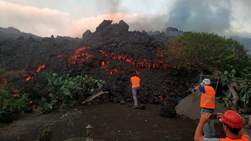 El CSIC despliega sus equipos a la erupcion del volcan La Palma1