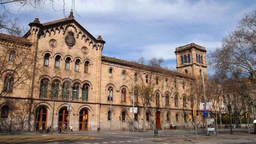 Universidad de Barcelona Fundada en 1450