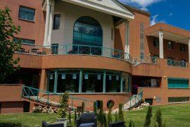 escuela internacional de alta dirección hotelera les roches marbella