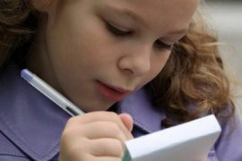 ¿qué aporta la escritura manual, sobre el desarrollo y la maduración de los niños?