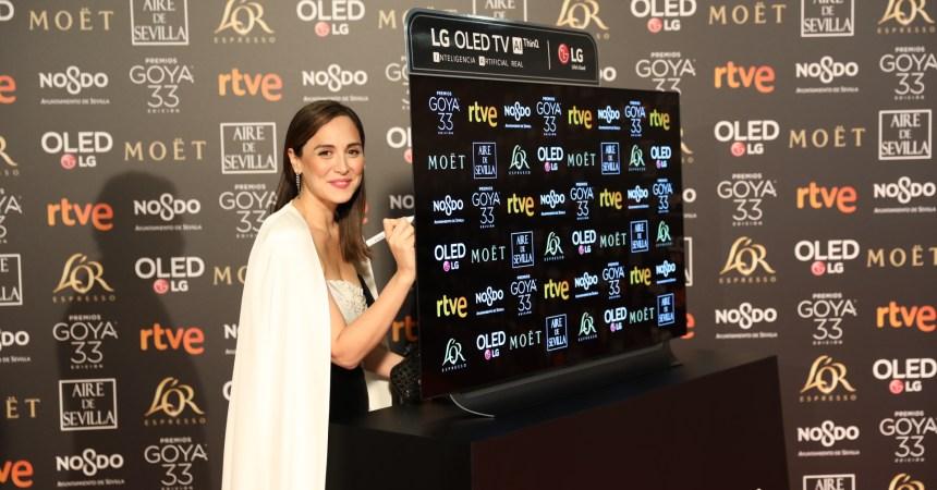 Cooperación Internacional subasta el televisor LG OLED más solidario de los Premios Goya