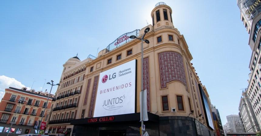 LG hace resaltar a Callao City Lights en el Times Square español