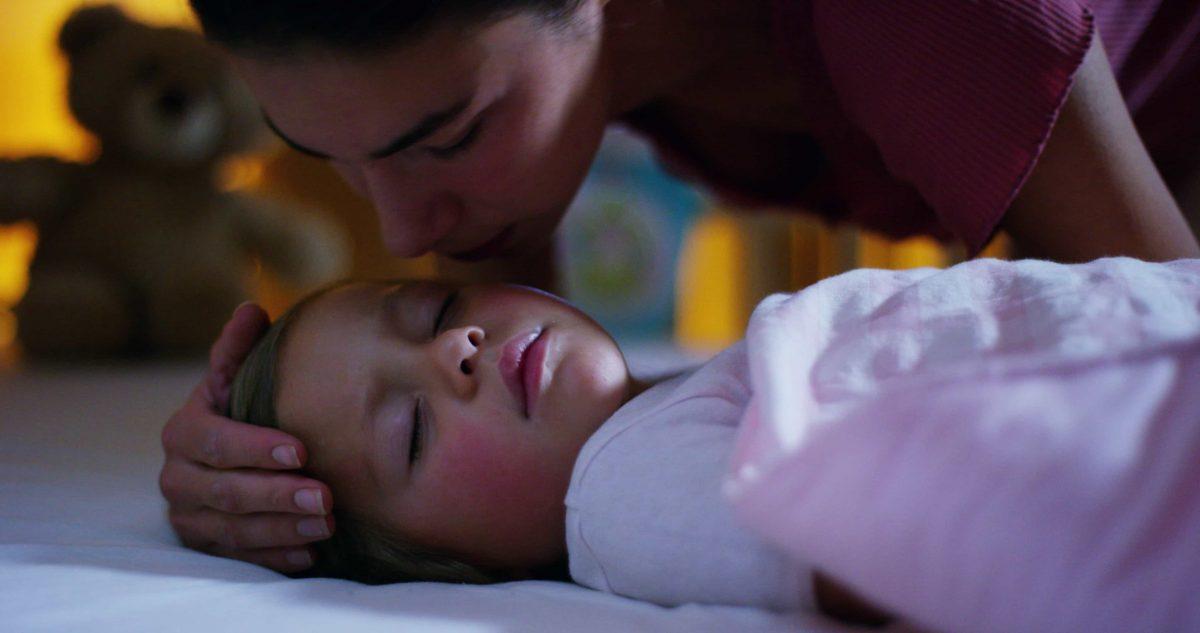 """Deitar-se com seu filho na hora dele dormir não é um """"mau hábito"""", é uma benção! - Revista Prosa Verso e Arte"""