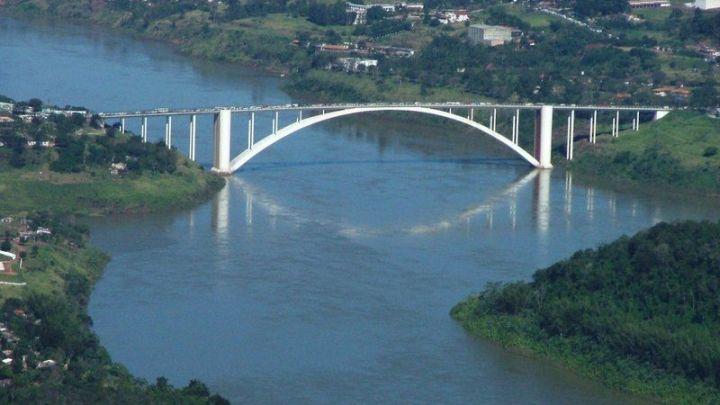 Anuncian apertura total de los puntos fronterizos con Brasil