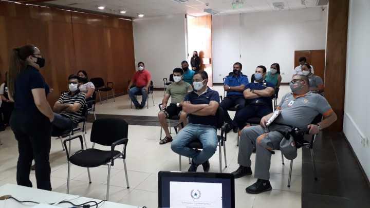 Senatur capacita a la Policía Municipal de Tránsito de Encarnación con miras al verano