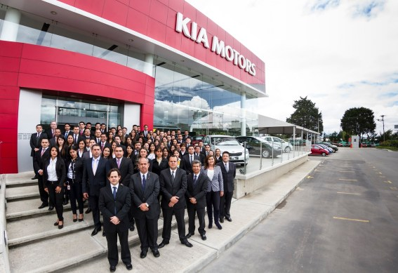 Kia Colombia Employees ajustada