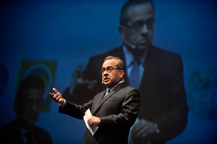 Jaime Saavedra - Ministro de Educación del Perú - Simposium Internacional del Oro y de la Plata