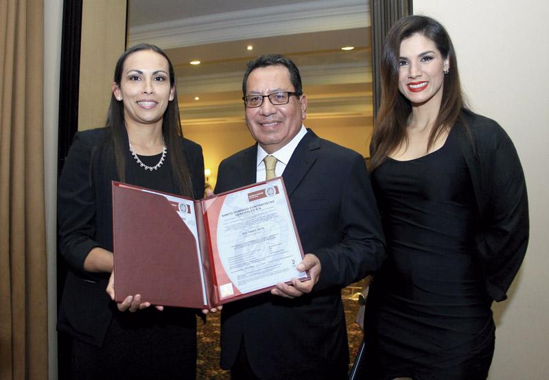 Santo Domingo Contratistas es la primera empresa peruana en certificar su sistema de gestión con las versiones más recientes en ISO 9001 y 14001.
