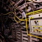 Cómo trabajar en instalaciones eléctricas según la normativa de seguridad minera