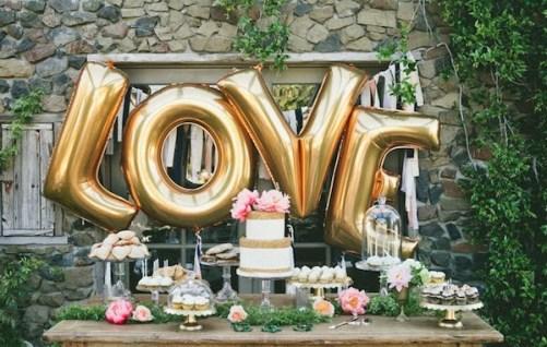 bodas -globos de letras formado palabra love