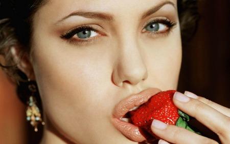 Secretos de belleza de las famosas Angelina Jolie