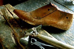 Cordwainers & Cobblers, Shoemakers in Colonial America