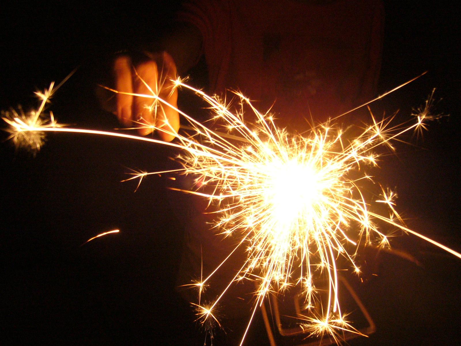 Le dieu venu d'une étoile a donné aux hommes une flamme qui les éclaire dans leur tête et brûle dans leur cœur.