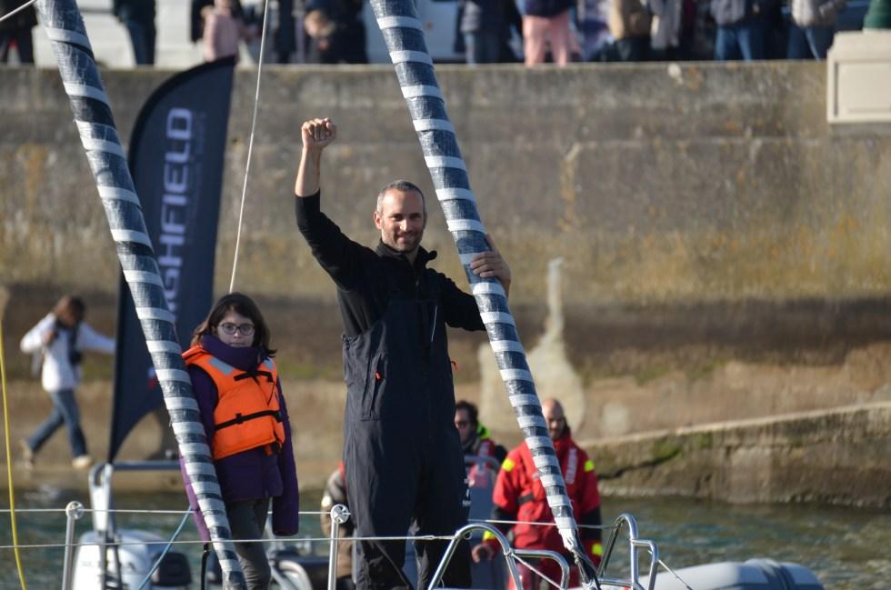 Fabrice Amadeo à l'arrivée de la course de voilier Vendée Globe le 18 février 2017