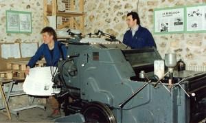 1993. L'imprimerie de l'époque pour la revue Acropolis