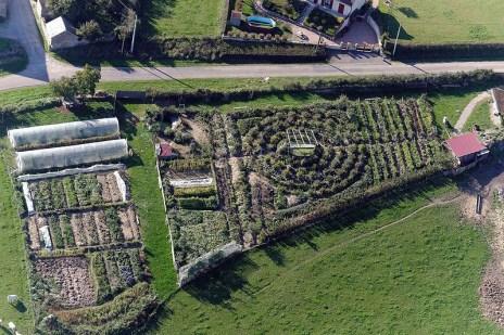 La permaculture a pour but de faire des liens, d'étudier la nature et les hommes, d'œuvrer avec intelligence pour le bien.