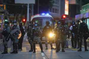 Hong Kong : la Chine resserre l'étau
