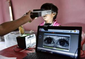 Inde : Aadhaar Card is watching you !