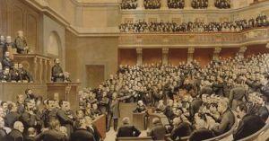 L'Assemblée nationale, d'abord repliée à Bordeaux pour fuir les troubles de la Commune de Paris, siège à Versailles depuis le 20 mars 1871. Ce n'est qu'en 1879 que la chambre regagnera la capitale.