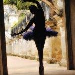 Bailarina en ruinas (Ruinas de Santa Clara) —Tono Valdés www.tonovaldes.com