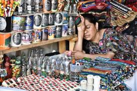 Posición/Position: 2do lugar / 2nd place Premio: Piza papel de Jades Xibalbá Tema/theme: Mercados de Guatemala / Markets in Guatemala Título/title: Qué cuaje Lugar/place: Sacatepéquez Autor/author: Juliana Skaggs
