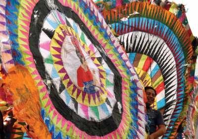 Giant kites of Santiago Sacatepéquez (image by photos.rudy giron.com)