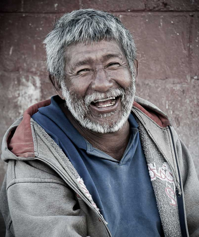 "1st Place: ""Sonrisa de Guatemala"" by Mario Mejia. Prize: Q200"