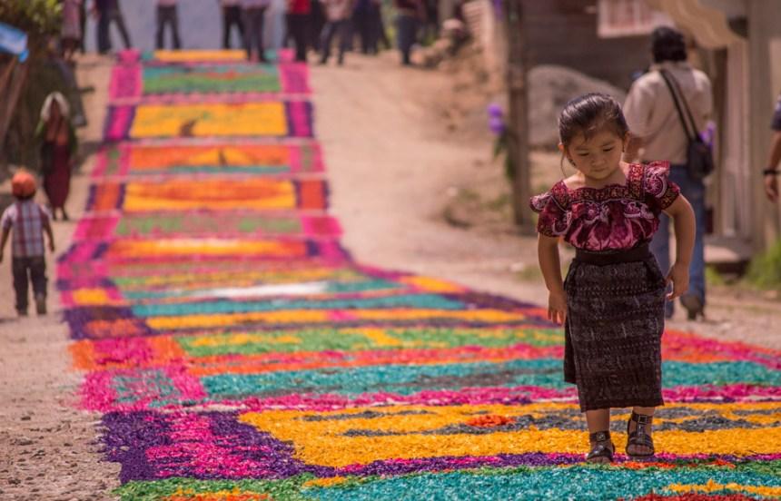"""""""Niñita parada en una alfombra"""" (Santa Cruz Barillas, Huehuetenango)  by Irvin Baldonery Del Valle Morales. Prize: Q50"""