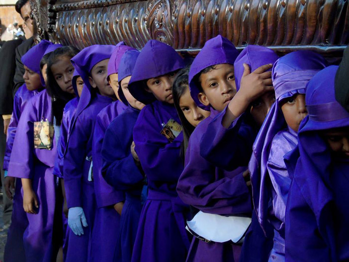 Velaciones, Processions and Semana Santa Calendar