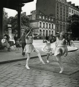 Danseuses. Photographies de C.Simon.  Photo Galerie Maeght, Paris