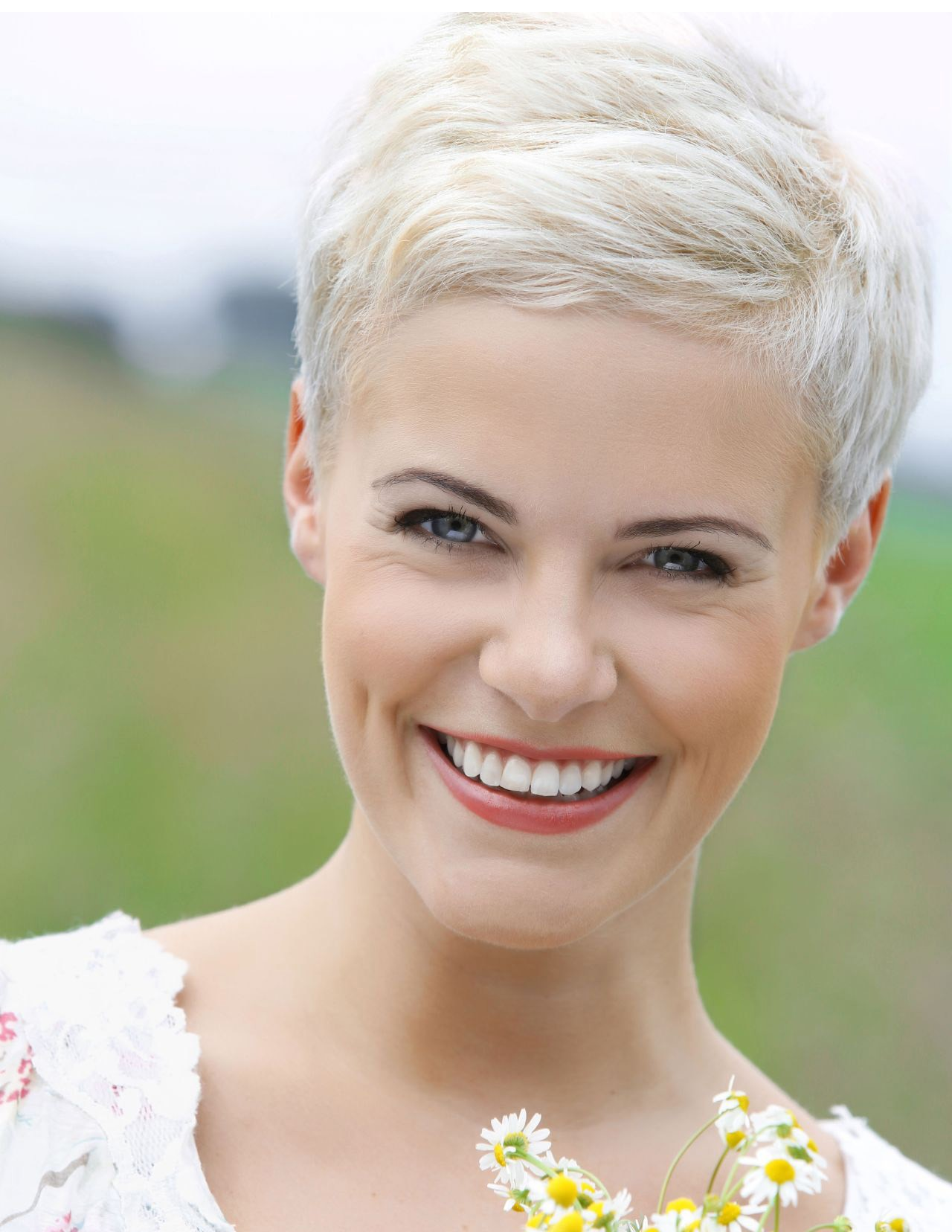 Short Pixie Cut Ladies White Wig
