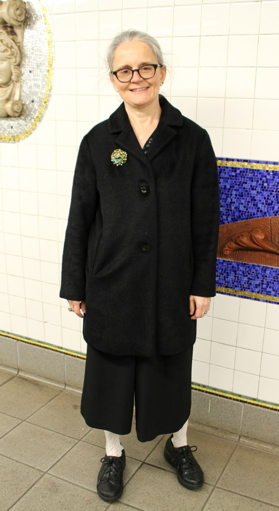 blk thrifted coat