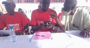 Macky Sall pose un acte en signant le décret