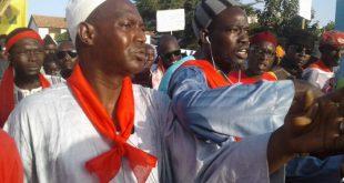 Ourossogui: Macky accueilli avec des brassards rouges