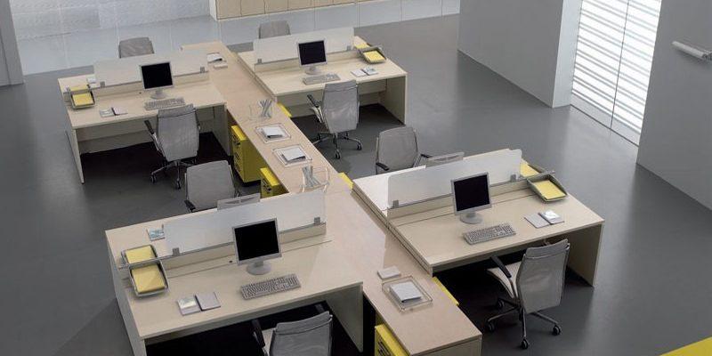 Pensati per tutti gli stili sono disponibili composizioni più o meno articolate, disponiamo inoltre di mobili singoli che si adattano perfettamente ad uno spazio limitato. Arredamento Ufficio Ecco Tutti I Vantaggi E Gli Svantaggi Di Una Scrivania In Vetro Rexpo News