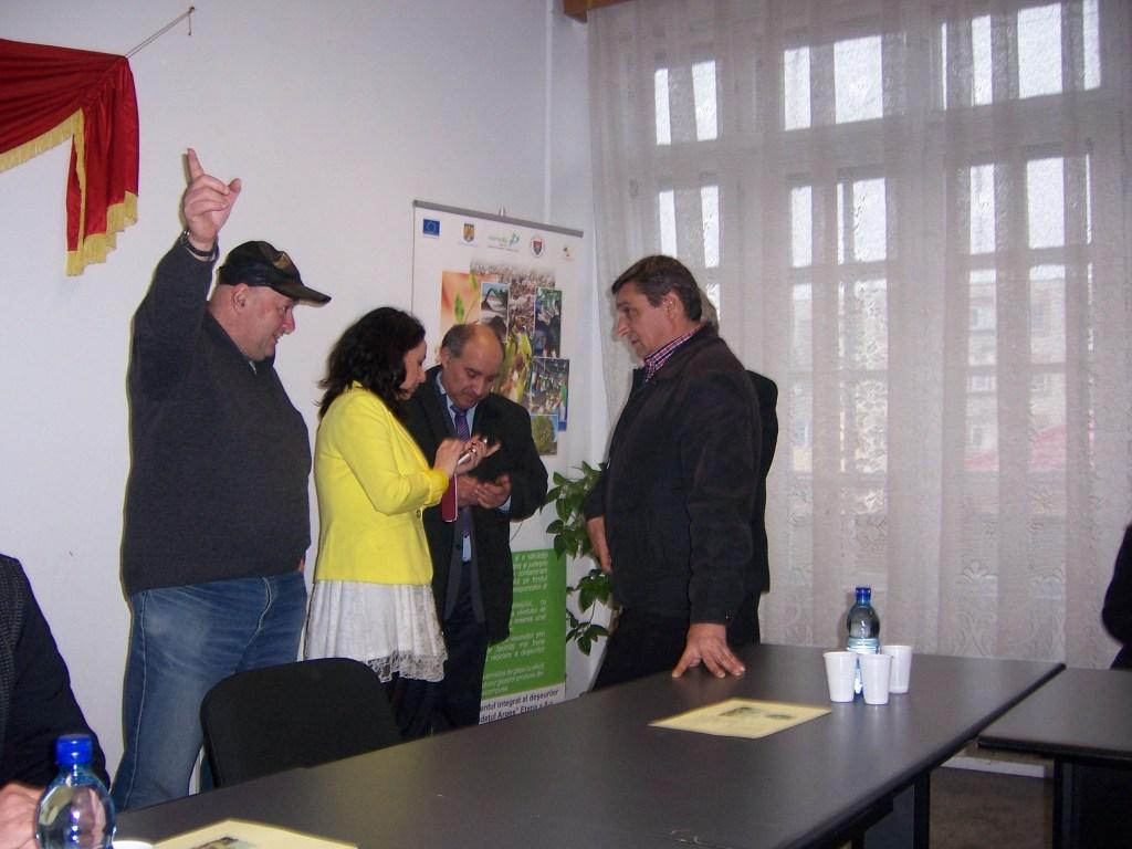 77 Visiting Costesti Town Hall