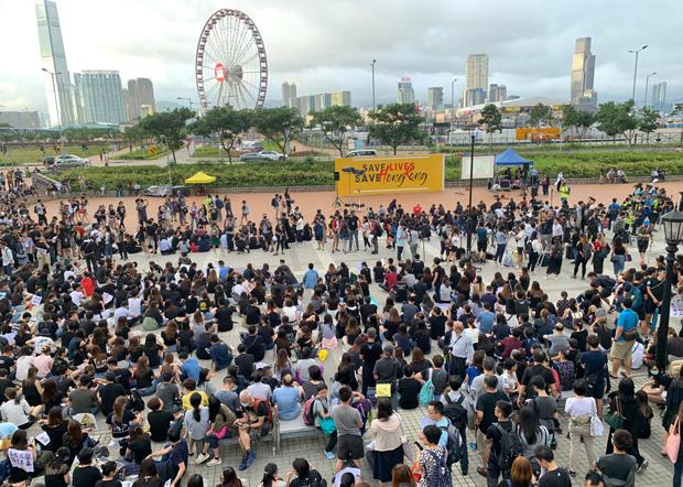 反修例訴求蔓延 港公務員及醫護界數萬人集會訴心聲