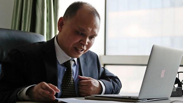 中国维权律师余文生(美联社)