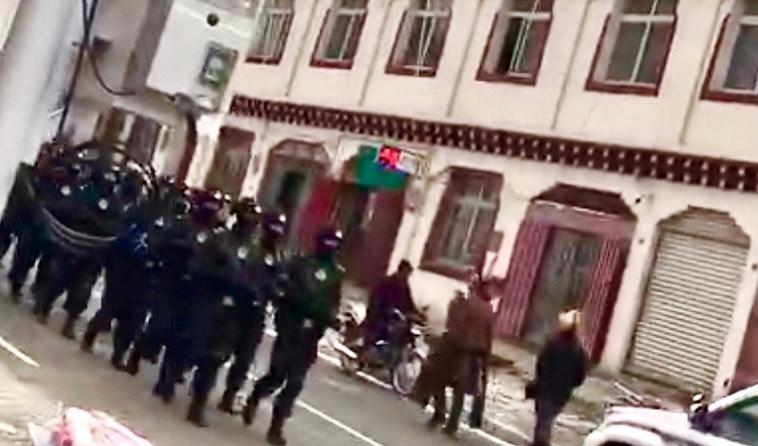 供奉达赖喇嘛法像    四川石渠约六十名藏人被捕