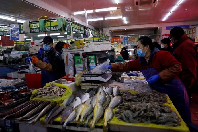 中國的漁業資訊缺乏透明度,消費者要拒絕血汗海鮮、無從判斷。 (路透社)