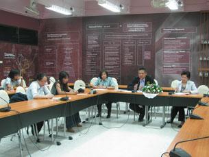 Quang cảnh buổi họp báo tại Trung tâm Bảo vệ (nạn nhân) và phát triển nghề nghiệp Kredrakarn