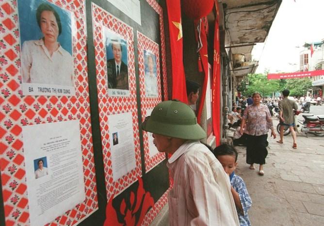 Nhiều người Việt quan tâm bầu cử ở Mỹ nhưng thờ ơ chuyện bầu bán ở nhà! — Tiếng Việt