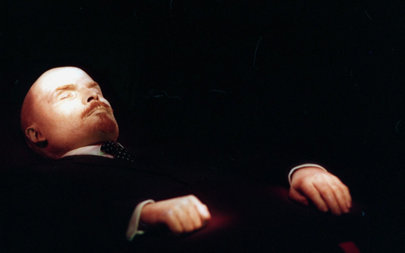Imagini pentru lenin mausoleu