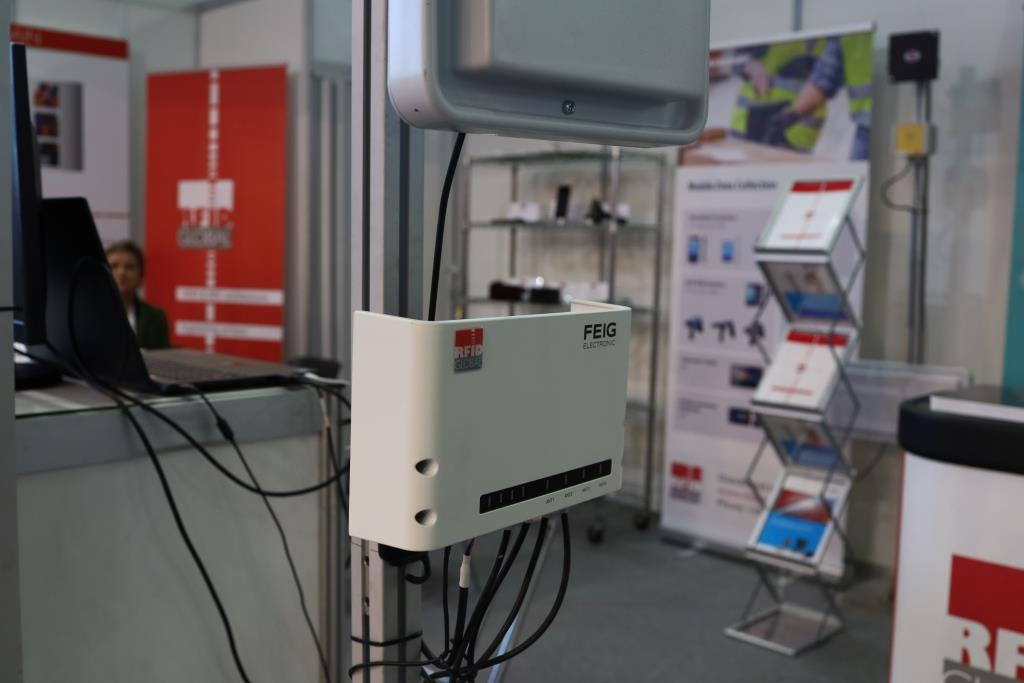 A&T 2020 - RFID Logistic Gate