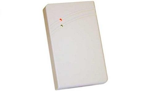 CPR03.20 RFID Reader Controllo Accessi IP 65. Montaggio a muro. Iterfaccie seriale TTTL, emulazione banda magnetica e Wiegand