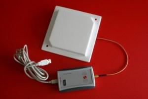 RED.MRU80-M2I - USB RedWave DeskTop Controller RFID UHF con antenna 16 x 16