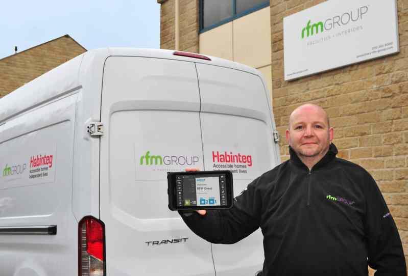 FM mobile workforce Man with Van