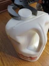 これはおまけ。春休み前にあった出来事ですが、Costcoの牛乳にいつも苦労するんです。ツイッターにそう載せたら、その後から簡単に開けれるものに当たってます。なんなんでしょうね〜。